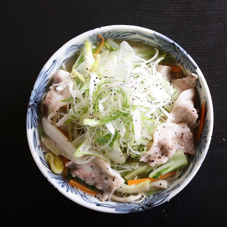 身体に優しい野菜たっぷりの『豚菜らぁめん』